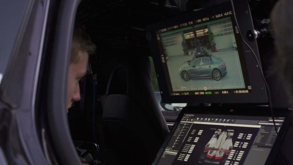 Porsche frame 01
